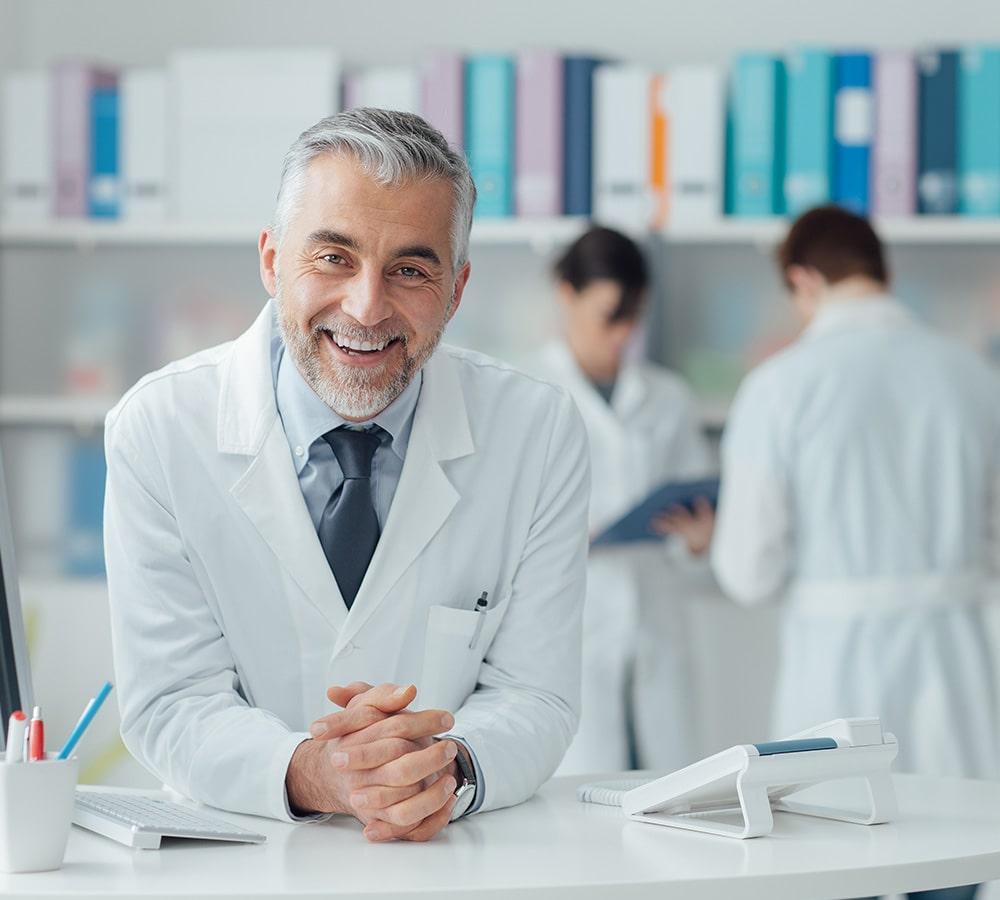 Dentista sonriendo